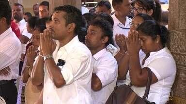 Templo do Dente Sagrado atrai milhares de pessoas para o Sri Lanka - Segundo os budistas, o lugar guarda uma relíquia: um dente de Buda. Templo mais importante do país foi construído a mais ou menos 400 anos atrás e vem sendo restaurado ao longo dos anos.