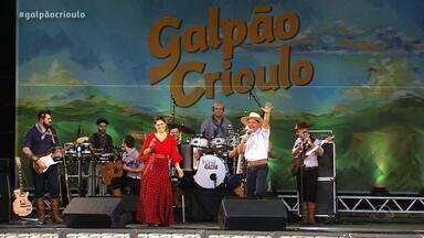Neto Fagundes e Shana Müller cantam no Galpão Crioulo (4º bloco) - Assista ao vídeo.