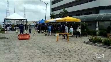 Estudantes participam de provas do Enade - Exame que aconteceu no domingo (25) é voltado para os estudantes que estão concluindo o curso de graduação
