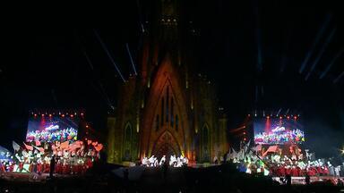 Espetáculo abre oficialmente as celebrações de Natal em Canela - Catedral de Canela foi palco do espetáculo de Natal.