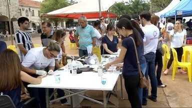 Campanha de prevenção ao câncer acontece em Dourados - Atividades de orientação e conscientização aconteceram no centro da cidade.