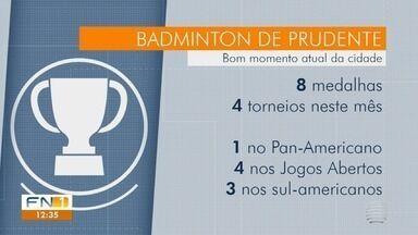 Atleta de Presidente Prudente ganha medalha em competição de badminton - Confira os destaques do noticiário esportivo nesta quarta-feira (28).