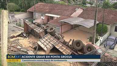 Caminhoneiro morre depois de tombamento - O acidente foi em Ponta Grossa.
