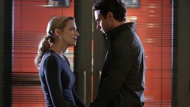 Opção Nuclear - Casey precisa lidar com o divórcio de sua irmã Christie; Dawson e Mills começam a exercer seus novos papéis; e Brett não consegue se decidir quanto a deixar Chicago.