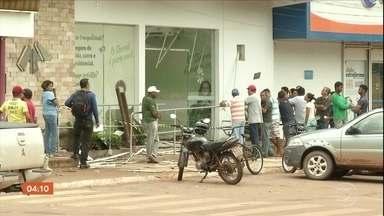 Bandidos atacam quartel da PM, explodem prédio e assaltam banco no Pará - Os bandidos usaram explosivos para atacar uma agência bancária e uma cooperativa de crédito.