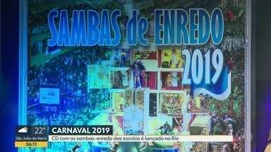 CD com sambas de enredo das escolas do grupo especial é lançado nesta segunda (3) - Escolas de samba celebraram o Dia do Samba durante o lançamento do CD com os sambas de enredo das escolas do grupo especial 2019, nesta segunda-feira (3) na Cidade do Samba.