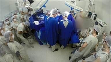 Revista publica caso do primeiro bebê nascido de transplante de útero com doadora falecida - A revista Lancet, uma das publicações científicas mais respeitadas do mundo, publicou um trabalho inédito de médicos do Hospital das Clínicas de São Paulo.