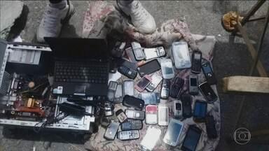 Operadoras começam a bloquear celulares piratas em dez estados - Anatel informa que celulares que não foram certificados pela agencia são ilegais e têm baixa qualidade com risco de superaquecimento e explosão da bateria.