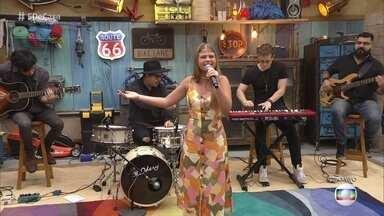 Fabiana Moneró canta 'How Can I Go On' - André Marques se emociona com apresentação