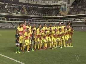 Vila Belmiro recebe jogo beneficente 'Craques contra a pólio' - Evento promovido pelo Rotary Clube Santos recebeu vários convidados em uma campanha importantes na luta contra a doença.