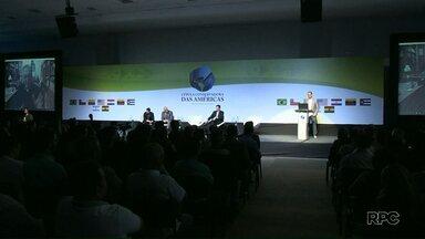 Evento reúne líderes liberais em Foz do Iguaçu - O evento está programado para terminar às oito e meia da noite.
