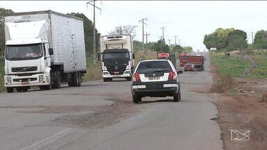Motoristas reclamam de falta de infraestrutura em rodovias no Maranhão - Buracos têm aumentado o risco de acidentes nas BR's 222 e 316 e quem trafega pelas regiões de Pindaré e Mearim precisa redobrar os cuidados.