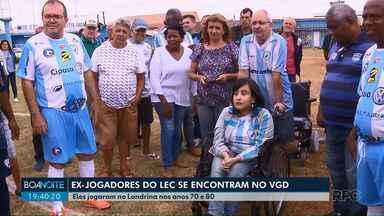 Torcedora recebe cadeira de rodas dos ex-craques do Londrina - Vaquinha começou a ser feita no início do ano.