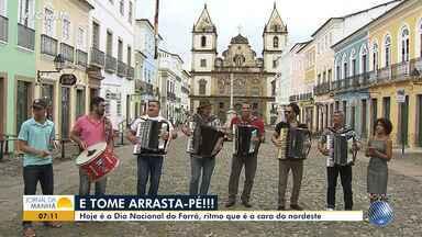 Dia do forró: artistas se reúnem para homenagear Gonzagão no Pelourinho - Nesta quinta-feira (13) comemora-se o Dia Nacional do Forró, data em homenagem ao dia de nascimento de Luiz Gonzaga.