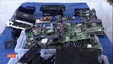 Quatro mil decodificadores piratas de TV por assinatura são destruídos no PR - Prejuízo provocados por esses equipamentos chega a R$ 4 bilhões por anos, segundo a Associação Brasileira de TV por Assinatura.