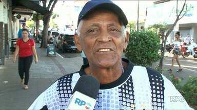 Moradores de Paranavaí homenageiam a cidade - Hoje a cidade completa 66 anos.