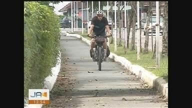 Ciclista pedala por estados para angariar recursos - Ciclista pedala por estados para angariar recursos