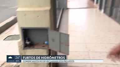 Comerciantes do DF reclamam dos prejuízos com furtos de hidrômetros - Só essa semana, foram registradas várias ocorrências na Asa Norte. A polícia procura os bandidos.