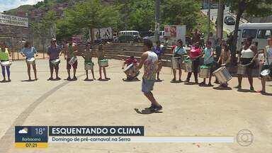 """Bloco de carnaval promove oficina no Aglomerado da Serra - Alunos soltaram a voz e tocaram bateria no evento realizado pelo """"Então, Brilha""""."""