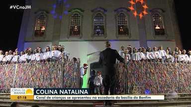 Coral de crianças se apresenta na escadaria da Basílica do Senhor do Bonfim - Veja como foi a apresentação das crianças.