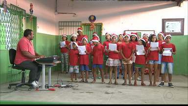 Estudantes de Santa Rita apresentam amanhã Cantata de Natal no Alto das Populares - Eles se apresentam amanhã, às 16h, na frente da escola Jaime Lacet, no Alto das Populares.