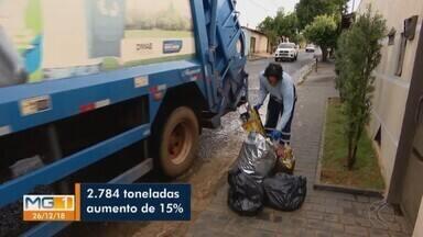 Serviço aumenta para coletores de lixo em Uberlândia após festas de Natal - No mês de dezembro, a quantidade de lixo produzida em passa de duas mil 784 toneladas. Um aumento de 15% na comparação com os demais meses do ano.