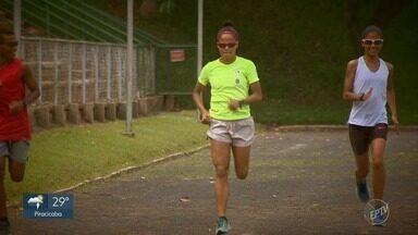 Tatiele de Carvalho chega otimista para última prova da São Silvestre - Veja a preparação da corredora para a prova.