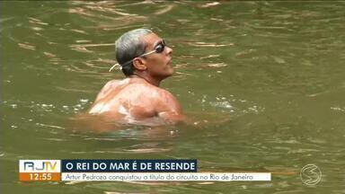 """Atleta de Resende vence competição 'Rei do Mar' - Circuito """"O Rei e Rainha do Mar"""" existe há dez anos e é uma grande prova de natação nas águas salgadas, que acontece em Copacabana."""