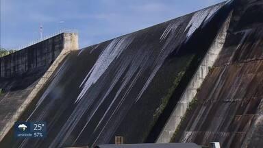 Nível do reservatório do Descoberto se aproxima de 100% - Nesta quarta-feira, a água alcançou a marca dos 98,7%. No mesmo dia de dezembro do ano passado, o nível era de apenas 27,1%. Já na barragem de Santa Maria, o nível está em 64,3%. No mesmo período do ano passado, eram 28,5%.