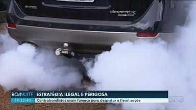 Contrabandistas usam fumaça para despistar a fiscalização - O equipamento é instalado em carros usados para contrabandear mercadorias.
