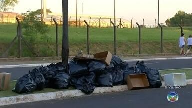 Prefeitura de Marília publica edital para os serviços de coleta e transbordo do lixo - A prefeitura de Marília divulgou a licitação para contratar uma empresa para gerenciar os serviços de coleta e transbordo do lixo da cidade. O edital prevê um gasto de até R$ 22 milhões e inclui a coleta seletiva.