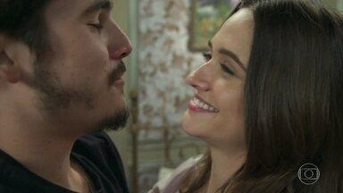Samuca e Marocas comemoram o primeiro Natal juntos - Após sonho Natalino o casal volta a realidade e lembra das batalhas que estão por vir