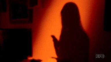 Menina de 9 anos foi vítima de assédio sexual via celular - Os pais da criança registraram queixa no Núcleo de Combate aos Crimes de Internet.