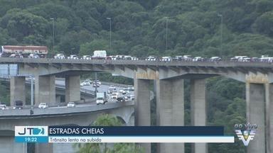 Confira a condição das estradas do litoral de SP após o feriado de Natal - Sistema Anchieta Imigrantes e rodovia Rio-Santos têm tráfego intenso