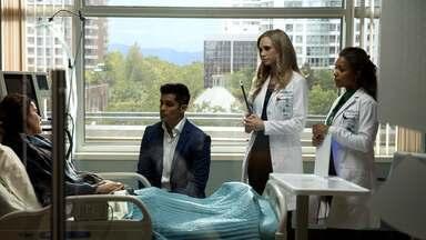 Cenouras - Um paciente pede a Shaun que não conte ao marido que ele fez uma cirurgia para perder peso. Claire e Melendez discordam no tratamento de uma mulher anoréxica.