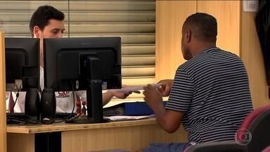 Desemprego cai para 11,6% em novembro, revela IBGE - O IBGE registrou 12,2 milhões desempregados no trimestre que terminou em novembro. Número ainda muito alto, mas diminuindo. A taxa de desemprego caiu para 11,6%.