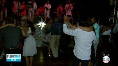 Festas de pré-réveillon animam público no Grande Recife - No Clube das Pás, no Recife, e no Sítio Histórico de Olinda as festividades em comemoração à chegada de 2019 tiveram início antes da virada do ano.