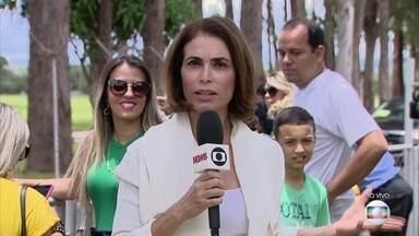 Jair Bolsonaro recebe grupo de pessoas com deficiência auditiva na Granja do Torto - Nesta terça (1º) o 38º presidente da República assumirá o cargo. O presidente eleito e a primeira dama estão aguardando o início da cerimônia na Granja do Torto.