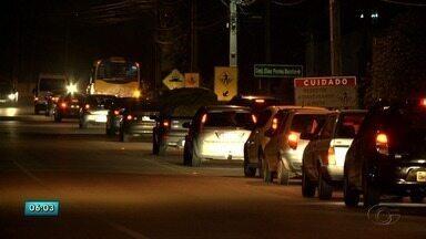 Noite de trânsito lento marca retorno de feriadão de ano novo em Maceió - Muitos turistas também se despediram da capital alagoana nesta terça.
