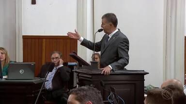 Mesa diretora e novos vereadores tomam posse na Câmara de Juiz de Fora - Luiz Otávio Fernandes Coelho (PTC) assumiu como presidente até 2020. Nilton Militão (PTC), Juraci Scheffer (PT) e Wagner França (PTB) substituem ex-vereadores eleitos deputados.
