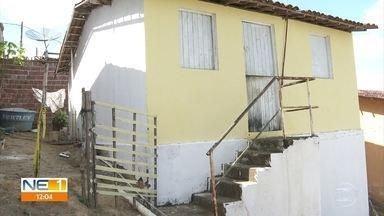 Padrasto esfaqueia e mata enteados de 11 e 13 anos em Moreno, no Grande Recife - Menino de 11 anos tentou impedir que ele estuprasse a irmã, mas ambos acabaram mortos na manhã desta quinta (3).