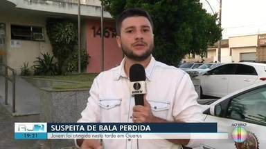 Jovem de 18 anos é atingida por suposta bala perdida em Guarus, em Campos, no RJ - Assista a seguir.