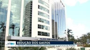 Governador anuncia corte de número de servidores em Goiás - Muitos foram exonerados após decreto.