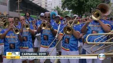 Riotur anuncia menos desfiles de blocos no carnaval - O número vai cair de 596, em 2018, para 509, este ano. Serão 87 desfiles a menos.