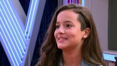 André Marques apresenta Malu ao público - A menina diz que se vê como cantora quando crescer