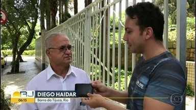 Carteira perdida em ponto de ônibus é devolvida ao dono - O porteiro Davi Oliveira perdeu a carteira na sexta-feira (4) no ponto de ônibus.