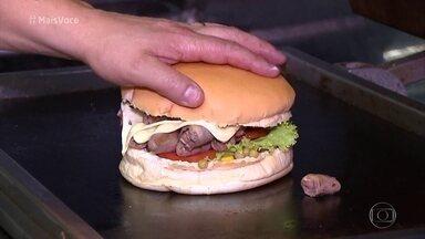 No Rio Grande do Sul, X-Coração faz sucesso em hamburgueria - Cada sanduíche leva entre 300 e 400g da iguaria