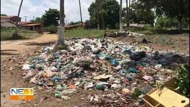 Lixo se acumula em pontos turísticos de Itamaracá - Moradores reclamam de falta de coleta desde dezembro em Vila Velha.