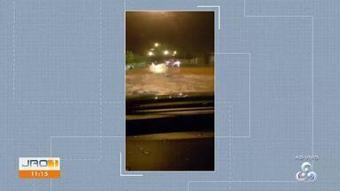 Em Ouro Preto do Oeste um carro precisou ser resgatado pelo Corpo de Bombeiros - Ocorrência aconteceu na noite de terça-feira.