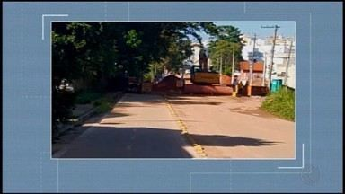 'Vc no MG1': Morador mostra dificuldades devido a obras na Rua Pitangui em Divinópolis - Local passa por intervenções para instalação de elevatórias para a Estação de Tratamento de Esgoto da cidade.